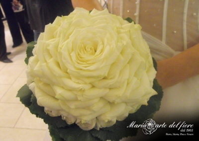Maria-Arte-Del-Fiore-Addobbi-Floreali-Matrimoni-Bouquet-Portafedi_12